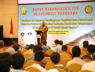Gubernur Sulawesi tenggara memberikan kata pembukaan